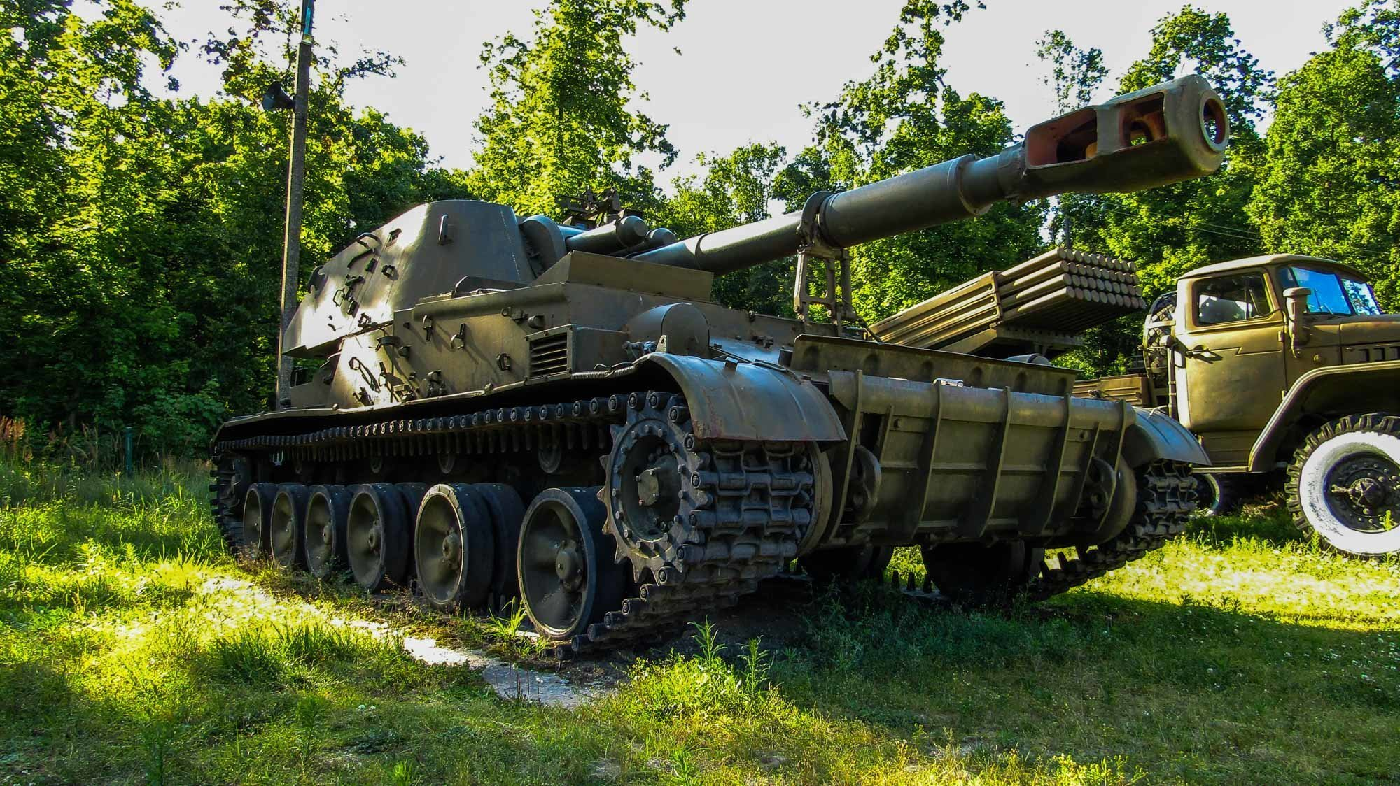 Музеї - «Музей зброї та військової техніки» - Спадщанський ліс (11 км від Путивля)